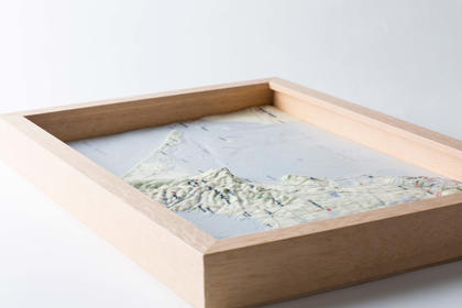 The 3D printed model was created at 1:160,000 scale with a five-fold elevation exaggeration.